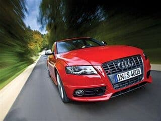 2010_audi_s4-front_view